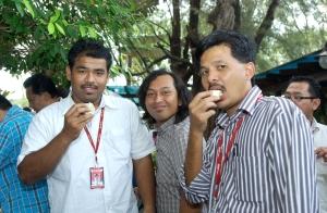 Sebelah aku tu abg sani dia edito SH edisi Melaka & N9, yang belakang tu SamsulSaid The Photographer The Best.
