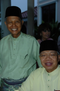 Tan Onn dan Hassan Ali