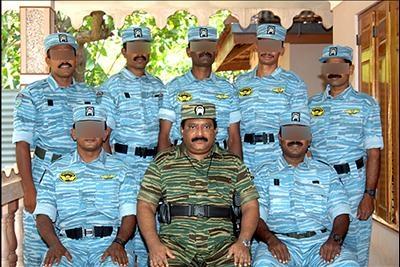 GAmbar bersama pasukannya.