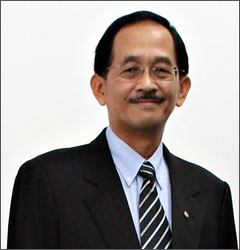 Kalau dah lupa mukannya, ini Prof Emeritus Datuk Ir Dr Mohd Zohadie Badaie.