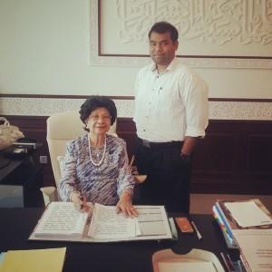 Bersama Tun Siti Hasmah Mohd Ali ketika dalam satu temubual.