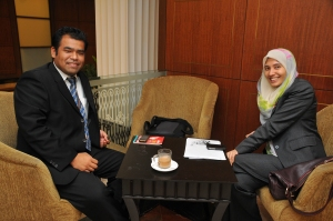 Minum bersama Nurul Izzah di Parlimen.